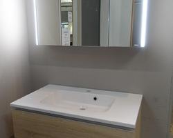 399,€  -->Meuble PROTO 80x46cm 2 tiroirs + Plan Lavabo + Armoire pharmacie avec éclairage