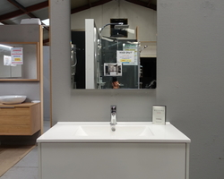 599,€  -->Meuble WHITE 80x46cm + Lavabo + Miroir + Robinetterie& Co  EXPO