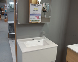 499,€  -- >DELPHA Meuble 60x47cm + Lavabo  + Armoire de toilette full miroir EXPO